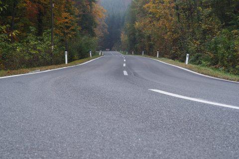 linie-na-drodze