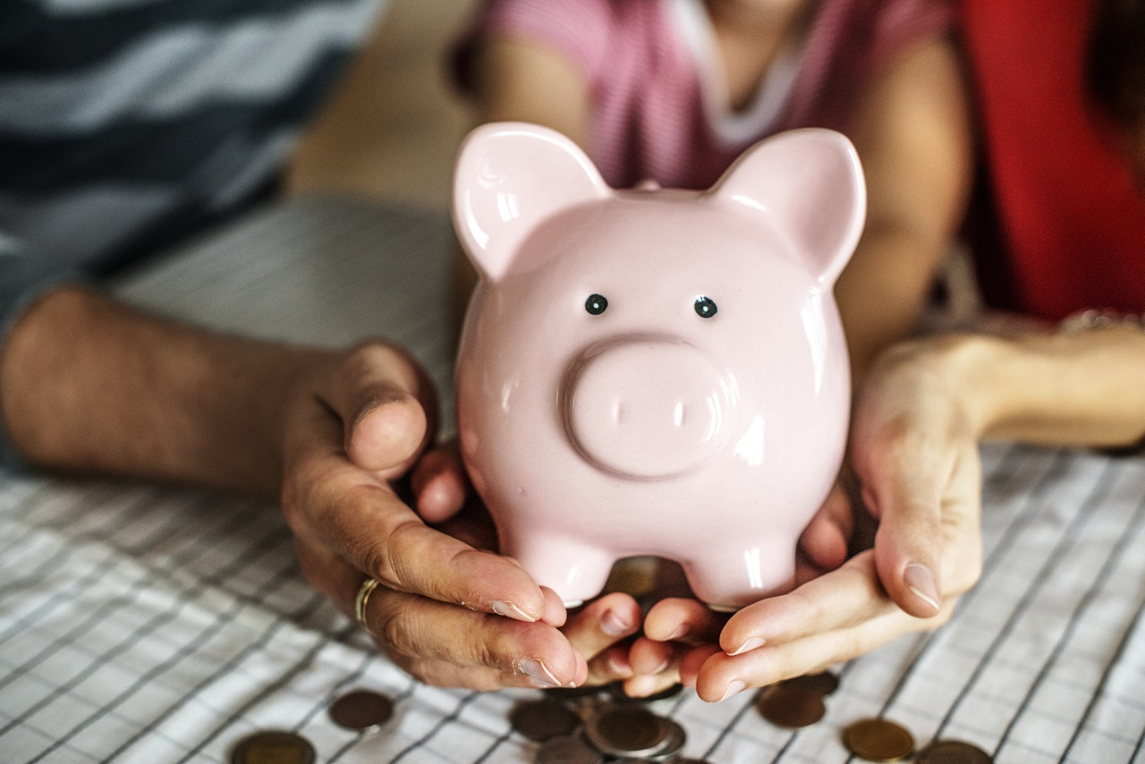 Na co zwrócić uwagę wybierając konto oszczędnościowe