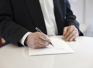 Artykuł 30 kodeksu pracy – rozwiązanie umowy o pracę